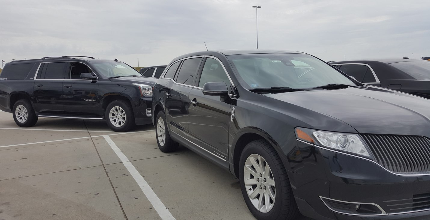 Black Car DIA Service. Lincoln MKZ at DIA parking lot