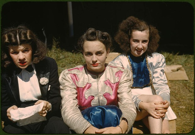 "Backstage at the ""girlie"" show at the state fair. Rutland, Vermont, September 1941. Reproduction from color slide. Prints and Photographs Division, Library of Congress"