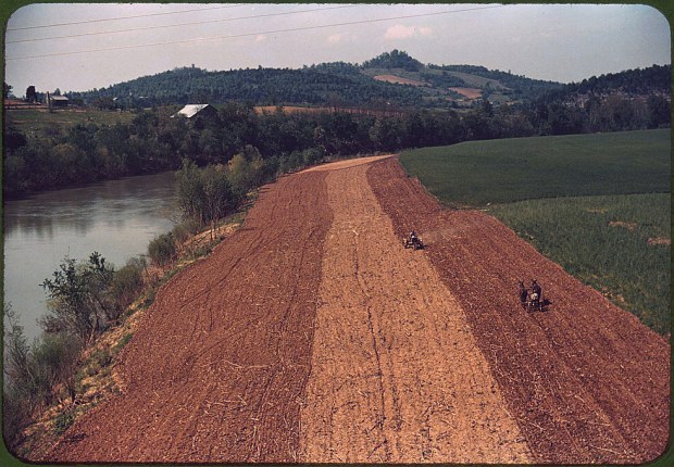 Planting corn along a river. Northeastern Tennessee, May 1940. Reproduction from color slide. Prints and Photographs Division, Library of Congress