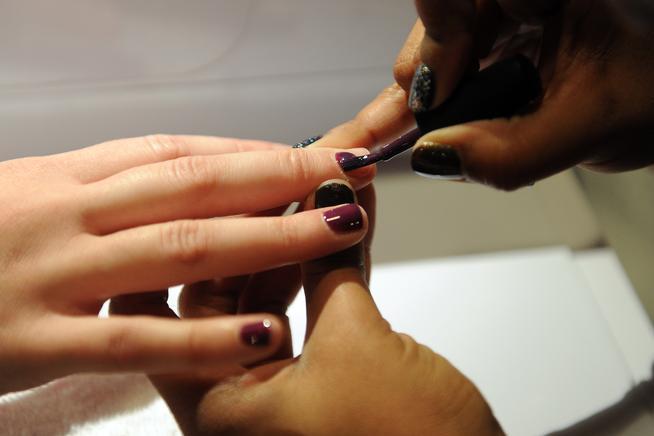 Lakewood Co November 13 Nail Tech Izzy Melendez Gives Andraia Shenefelt A Sac