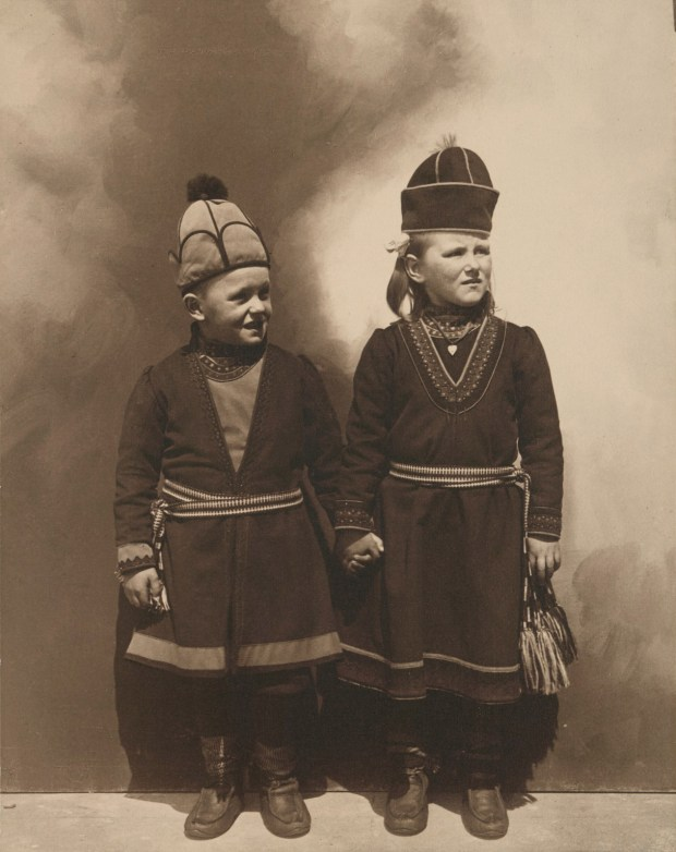 Lapland children, possibly from Sweden. Photo courtesy of New York Public Library Digital Collections.
