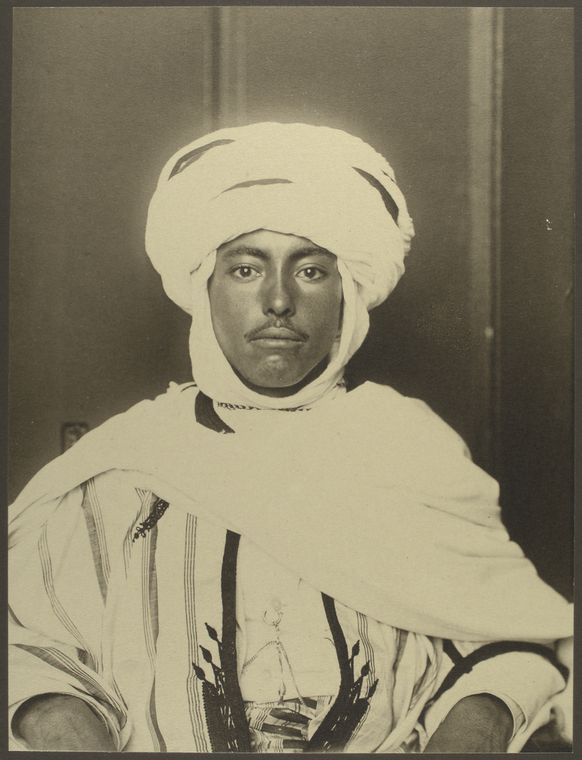 Algerian man. Photo courtesy of New York Public Library Digital Collections.