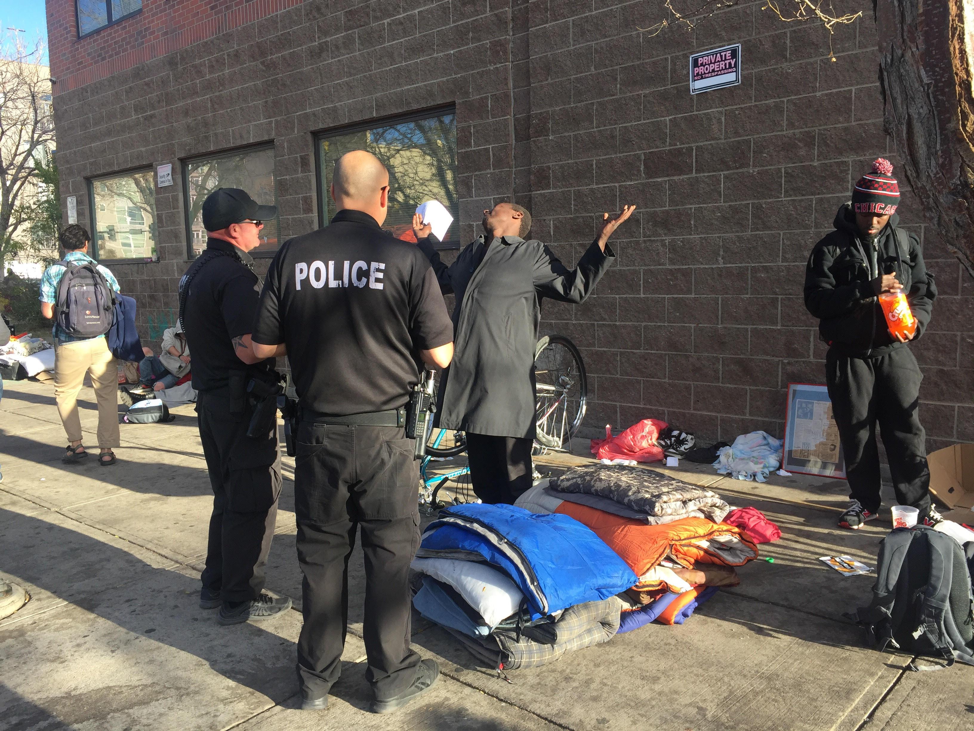 Denver barrido policía campamentos de personas sin hogar