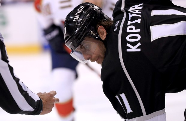 Anze Kopitar (11) of the Los Angeles Kings