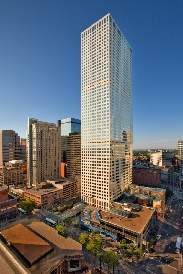 Encana Corp. has signed a lease to occupy 334,000 square feet in Republic Plaza, the tallest building in Denver.