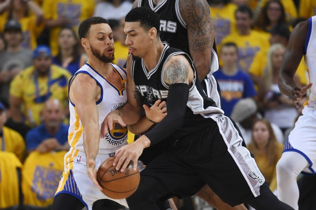 Danny Green #14 of the San ...