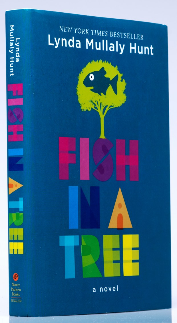 Kids books clever girl hides struggles in fish in a tree for Fish in a tree by lynda mullaly hunt