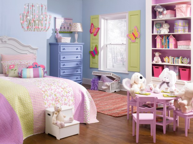 A child's bedroom painted in Sherwin-Williams' color called Breathtaking.