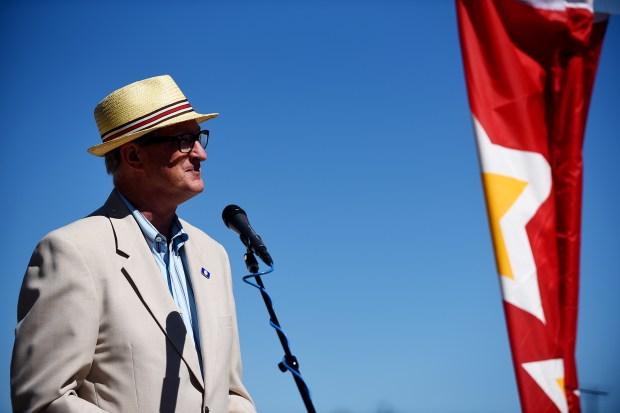 Aurora Mayor Steve Hogan makes the ...