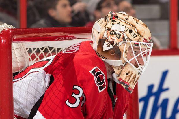 Andrew Hammond #30 of the Ottawa ...