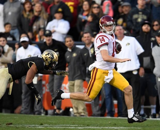 USC Trojans quarterback Sam Darnold #14 ...