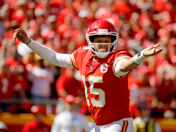 Kansas City Chiefs quarterback Patrick Mahomes ...