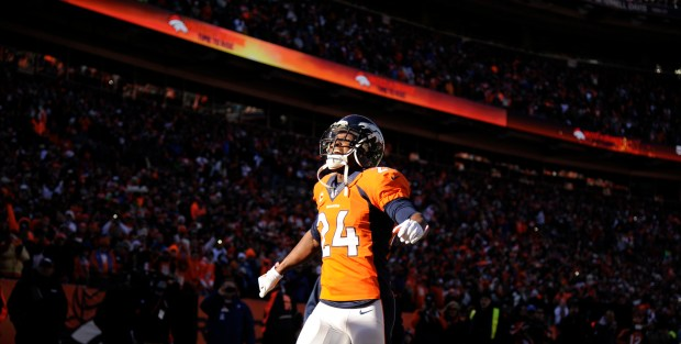 Denver Broncos cornerback Champ Bailey (24) ...