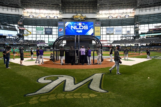 The Colorado Rockies batting practice at ...