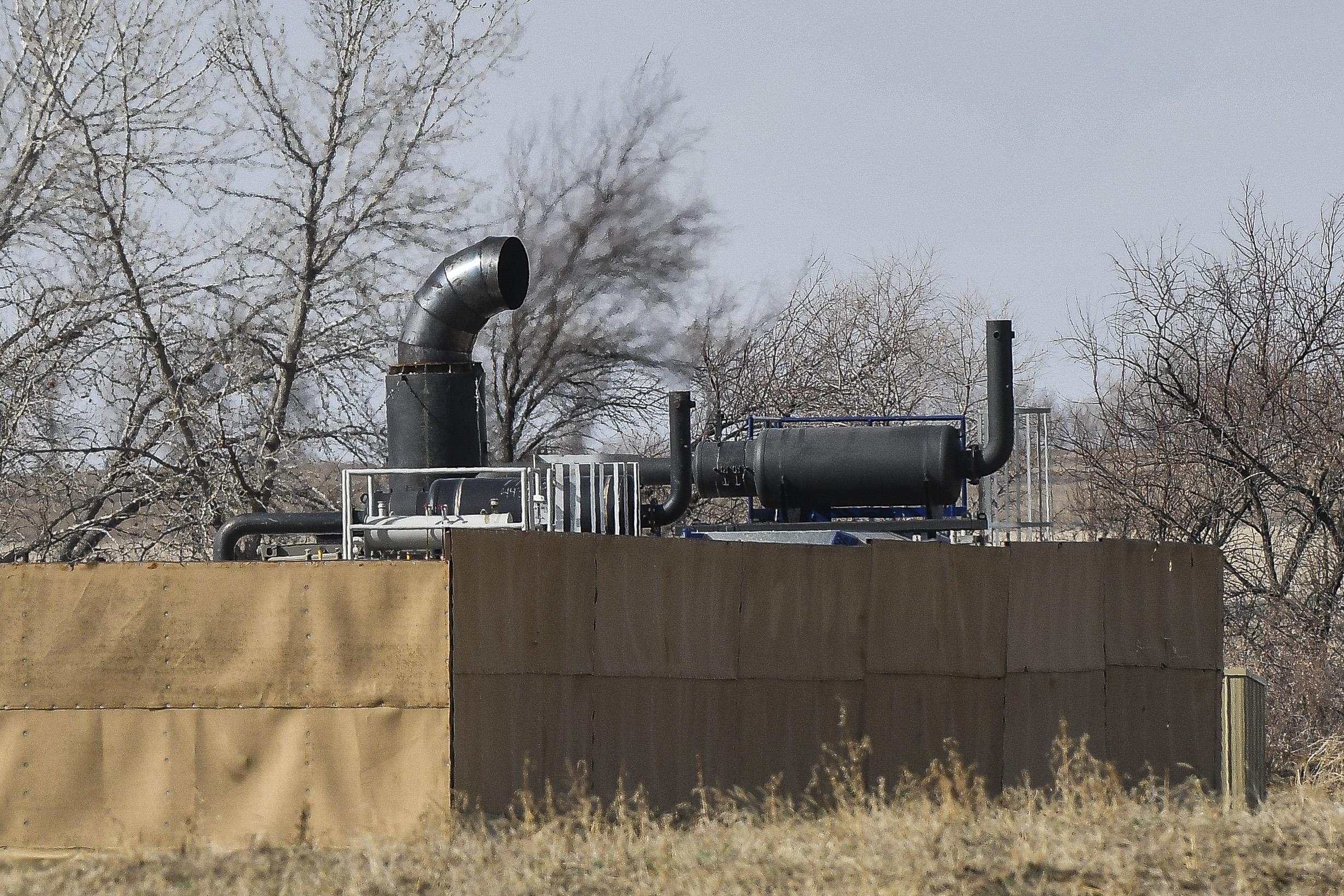 Gas pollute air