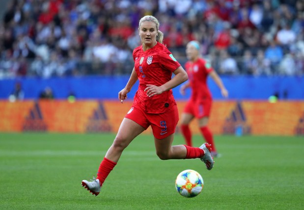 Lindsey Horan of the USA runs ...