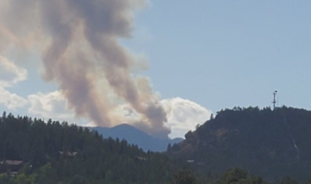 Wildfire near Kenosha Pass decreases slightly as firefighters continue to fight the flames