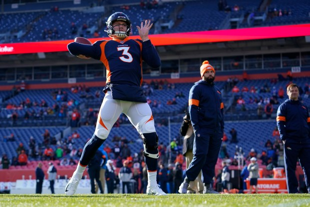 Denver Broncos quarterback Drew Lock warms ...