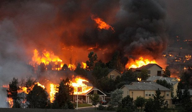 waldo-canyon-fire-2012-hhr.jpg An entire neighborhood burns near ...