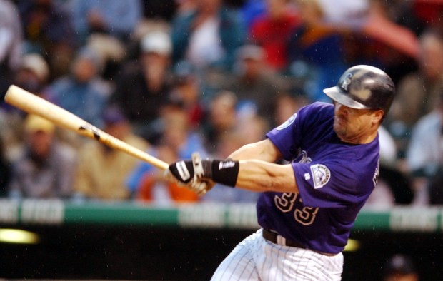 Colorado Rockies OF Larry Walker swings ...