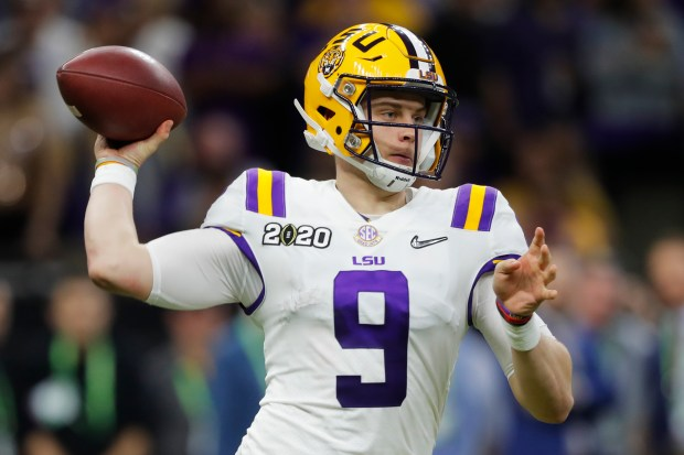LSU quarterback Joe Burrow passes against ...