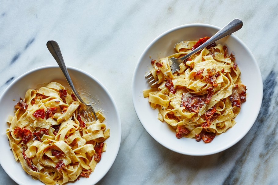 Tagliatelle with prosciutto and butter. While ...