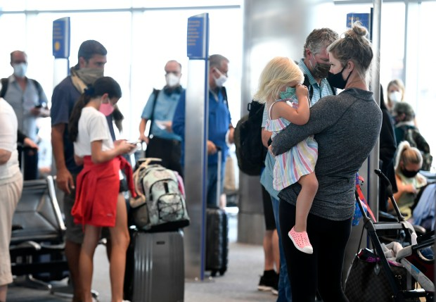 Crowds grow at Denver airport, but are hiccups ahead? 46
