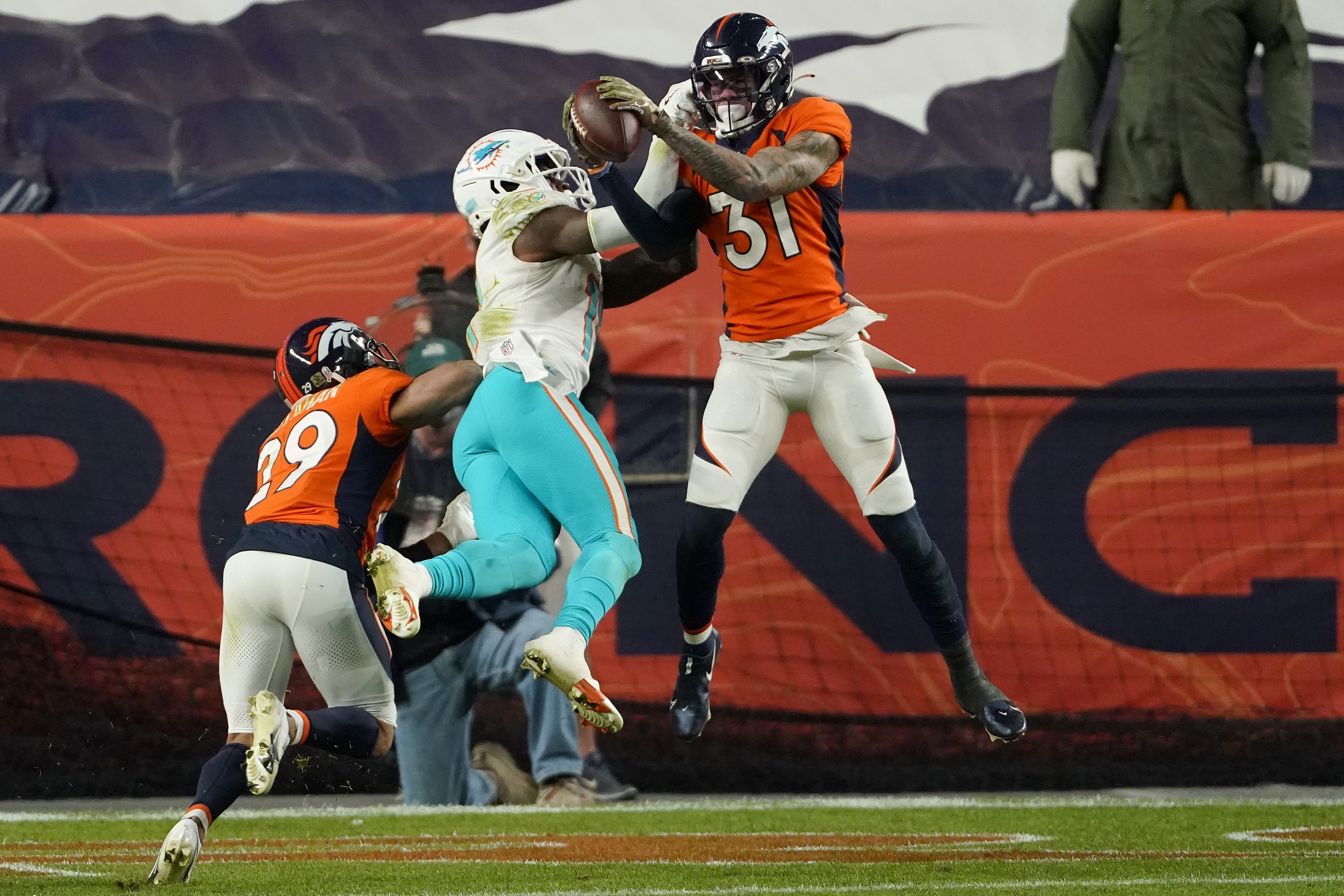 Broncos Briefs Two Veteran Players Push Back On Nflpa President S Call To Eliminate Offseason Practices Path Of Ex
