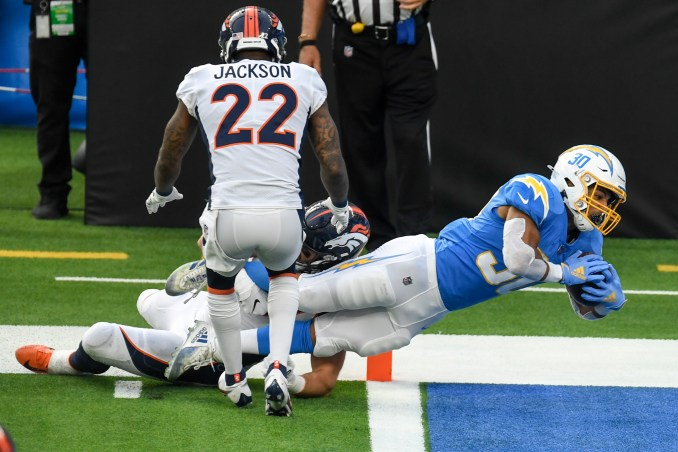 Colorado native Austin Ekeler's late-game runs seal Broncos defeat against Chargers
