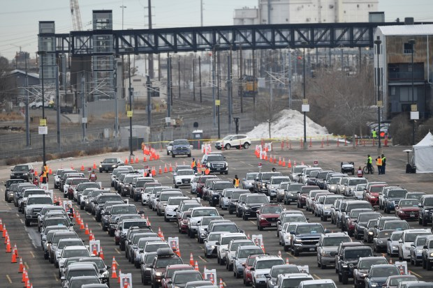 Hundreds of cars lined up for ...