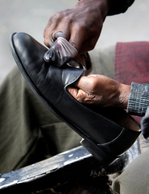 Denver's wisecracking shoeshine man who worked along 16th Street Mall for decades has died