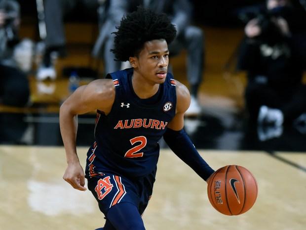 Auburn guard Sharife Cooper (2) plays ...