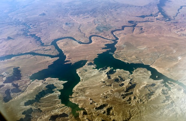 Is an aerial view of ...