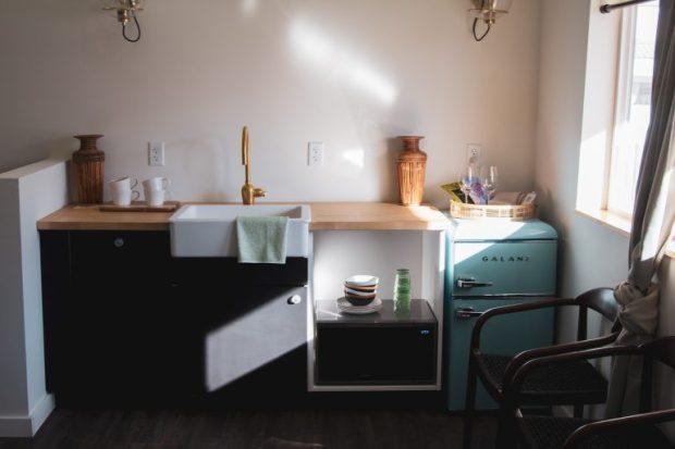 TKN Z Mellow Moon 01 768x512 1 - Colorado's roadside motels get cool again