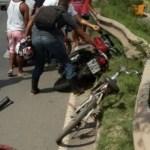 Mulher é arremessada da moto e morre após cair de viaduto em frente ao Salvador Norte Shopping.