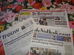 Krant op tafel