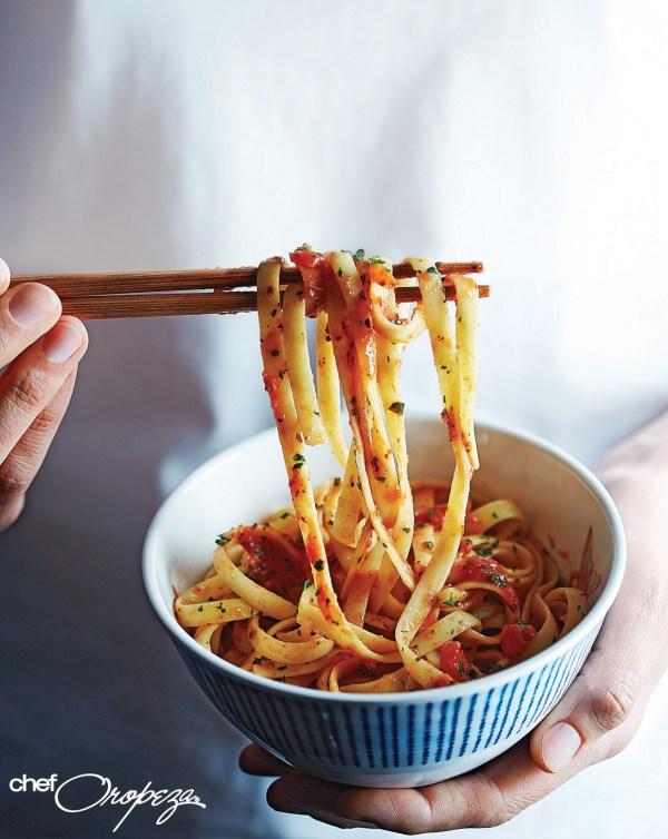 Receta: Pasta con salsa de jitomates asados