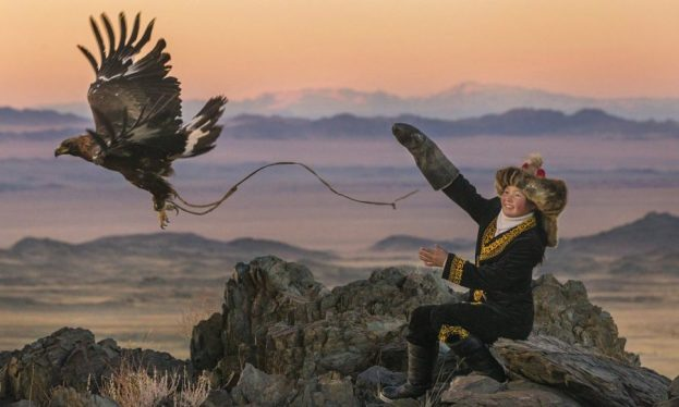 the eagle huntress, eagle huntress, huntress, review, documentary, movie, depepi, depepi.com