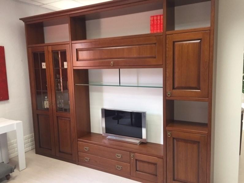Scopri i nostri mobili classici e fai rivivere la tradizione a casa tua. Parete Attrezzata In Legno Stile Classico Asolana Maronese Deper Mobili S R L
