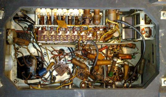 His Master's Voice 1119 wireless radio chassis