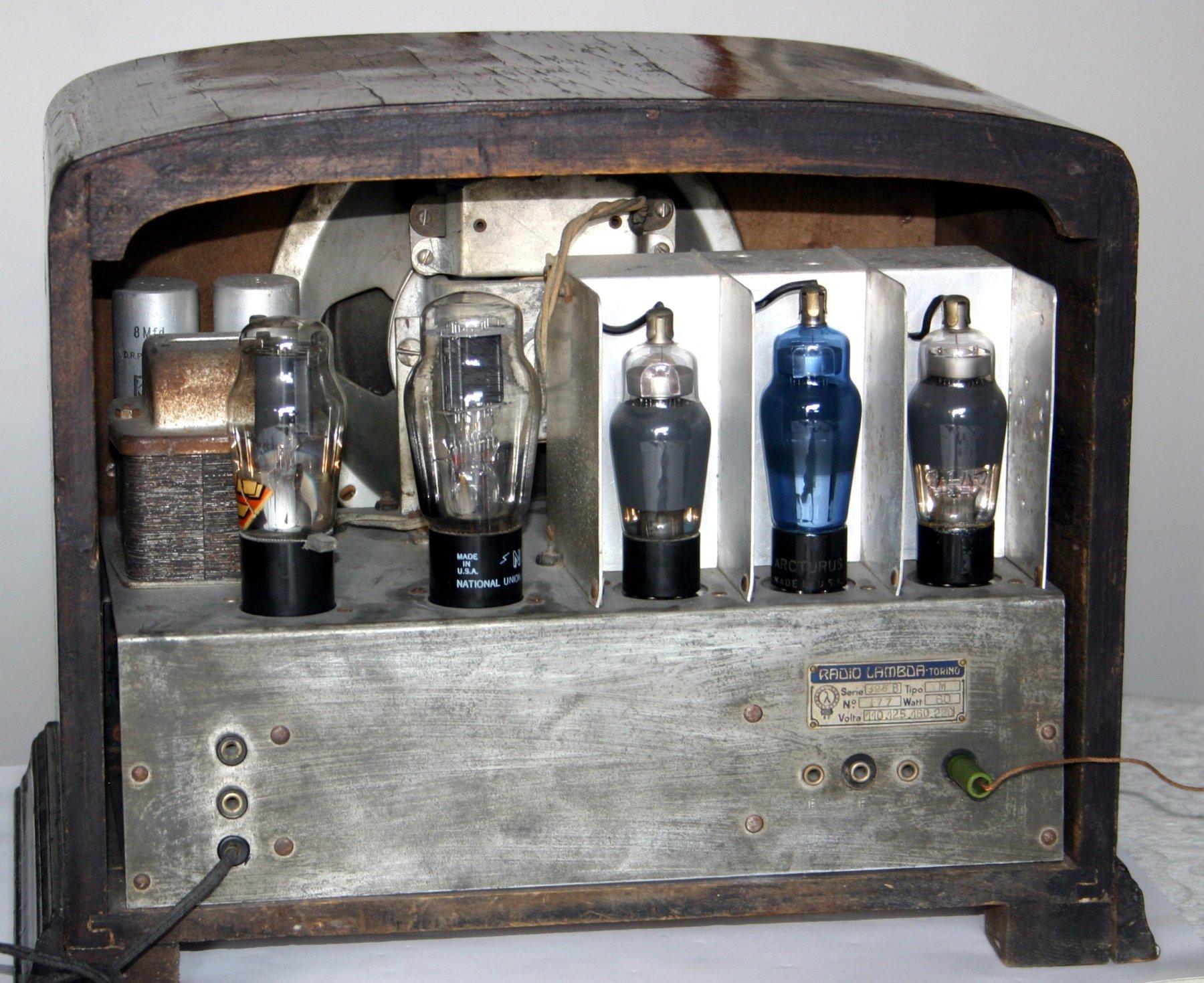 Radio Lambda 325B-M - chassis