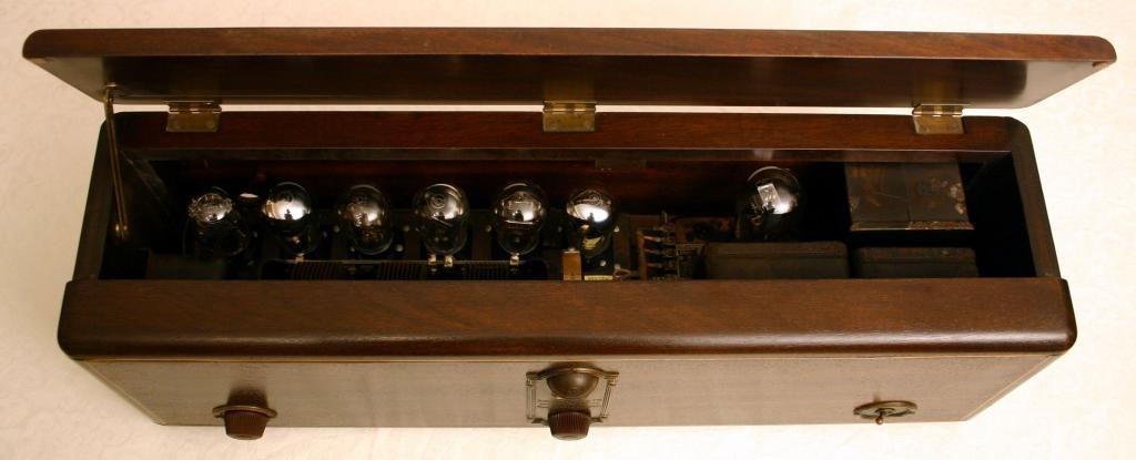 US_RCA_Radiola-17_chassis1