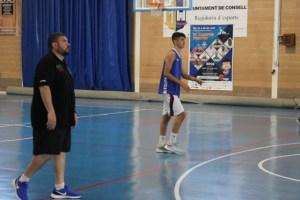 Pau Tomàs, junto a Rubén Vicente, jugador del Unicaja Andalucía, filial del Unicaja Málaga