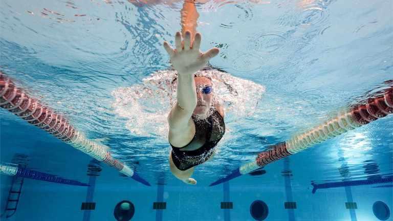 nadar más rápido