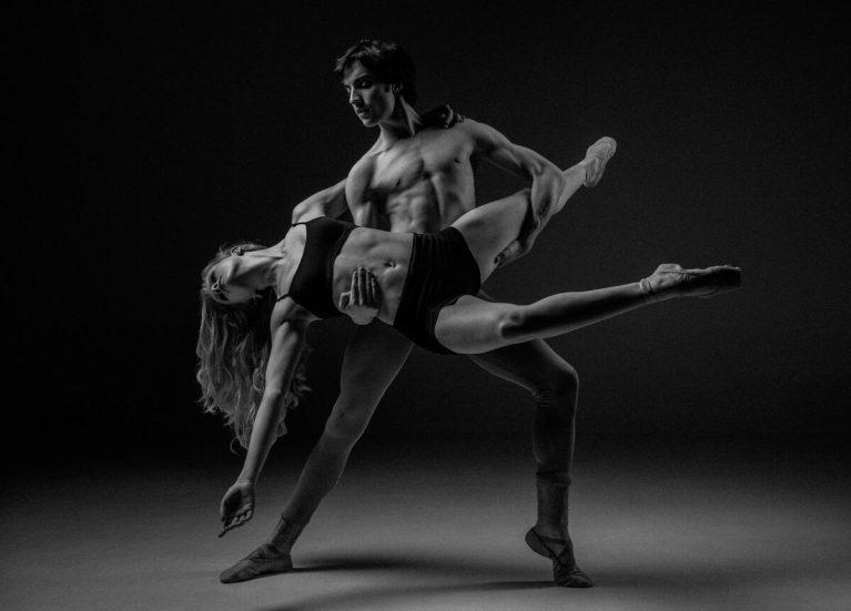 ¿Sabías que el ballet clásico es tan difícil y efectivo como ir al gimnasio?