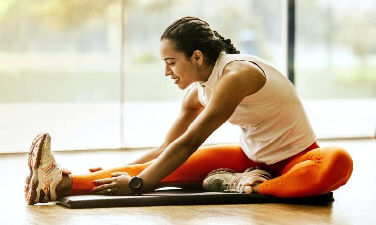 hacer stretching o estirar antes de entrenar es beneficioso para tu cuerpo