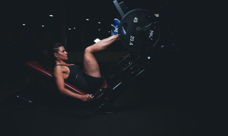 Descubre algunos de los ejercicios básicos de pierna y comienza tu entrenamiento