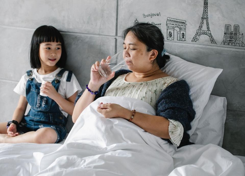 Es muy posible que no sepas si estás ante Intoxicación alimentaria o gripe estomacal pues los síntomas son similares