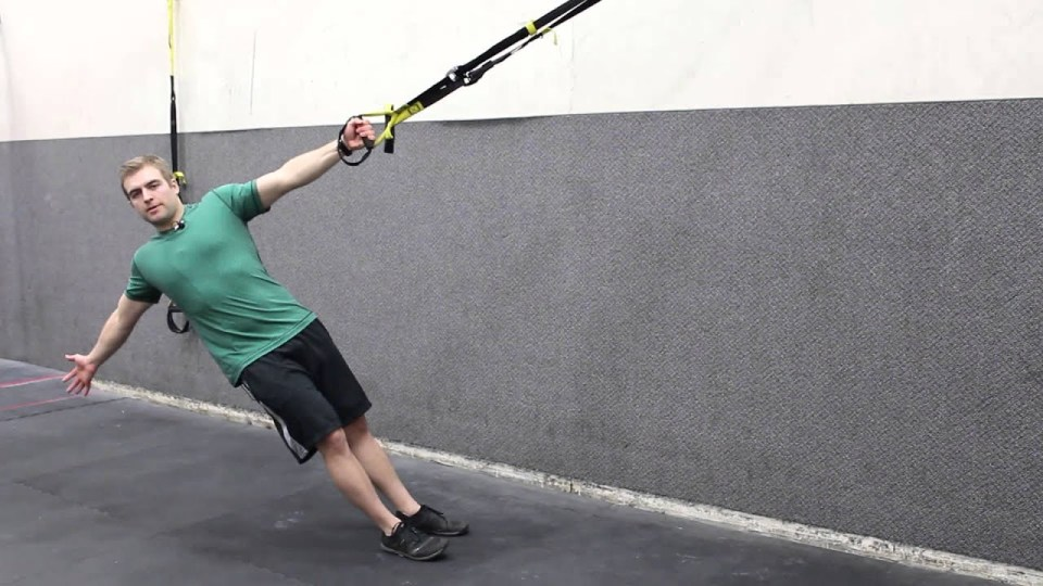 TRX power pull rutina con TRX para espalda