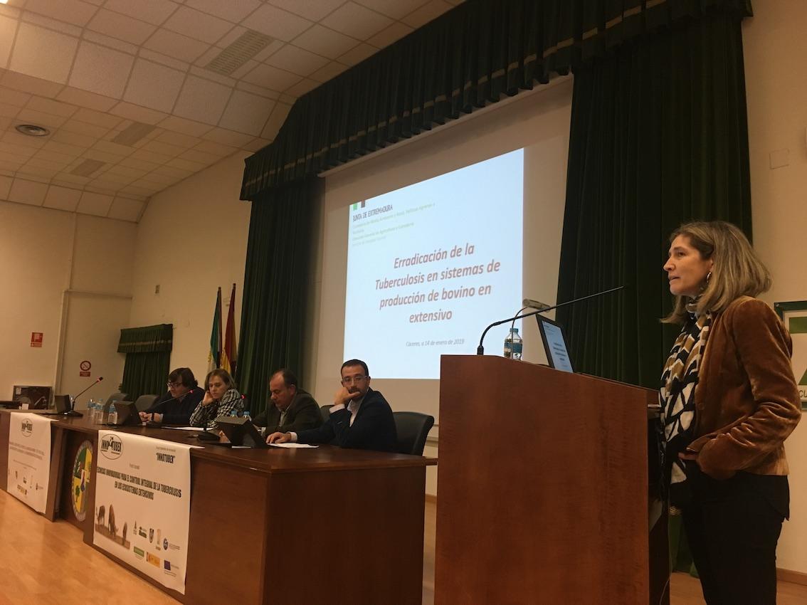 La Facultad de Veterinaria acoge una jornada sobre técnicas innovadoras para el control de la tuberculosis (1)